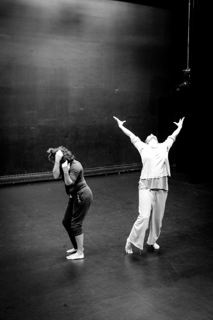 Dancers Andrea Tucker and Sarah Joy Stoker in Oderin.